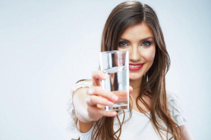Самый полезный напиток – простая вода