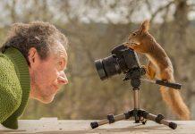 Фотограф зі своєю моделлю