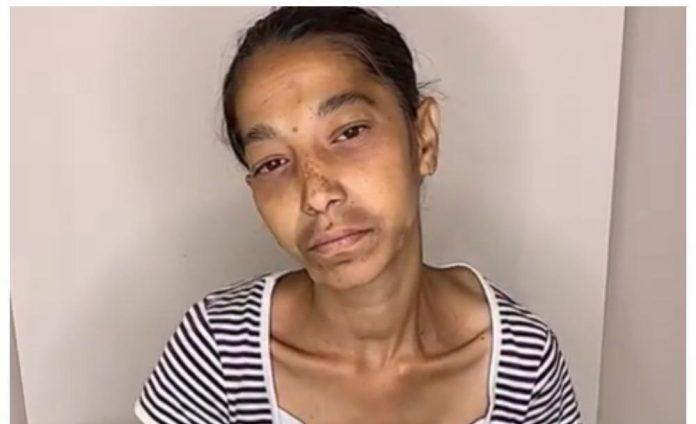 Девушка без макияжа