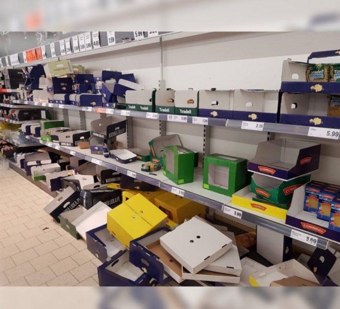 В польских супермаркетах пустые полки