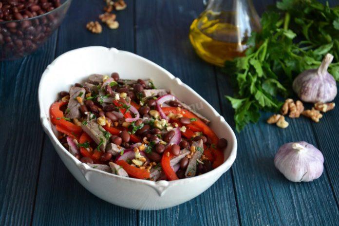 М'ясний салат із червоною квасолею
