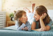 Радісне спілкування з дитиною