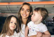 Анна Хилькевич з дочками Аріаною і Марією