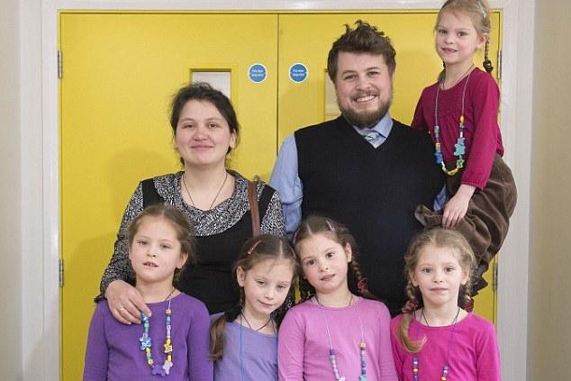 Супруги воспитывают пятерых дочек