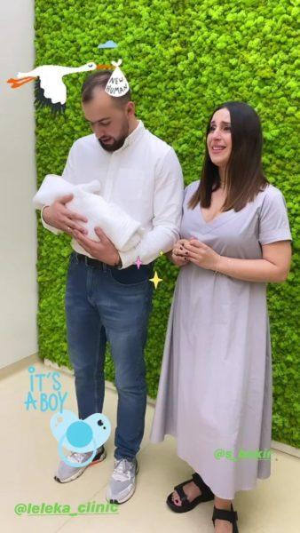 Джамала вместе с мужем и новорожденным сыном