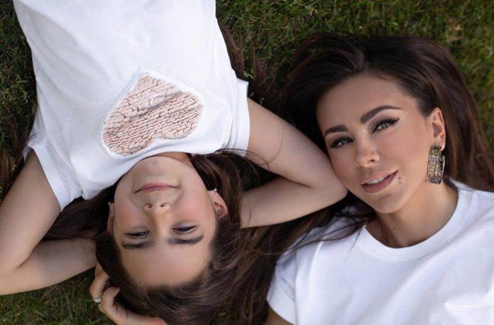 Ані Лорак з донькою Софією
