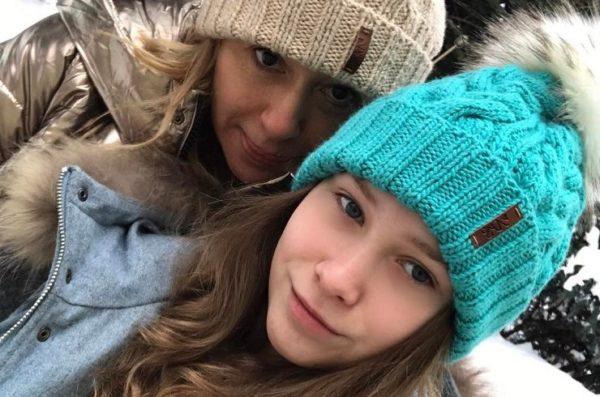 Алена Апина с дочкой Ксенией