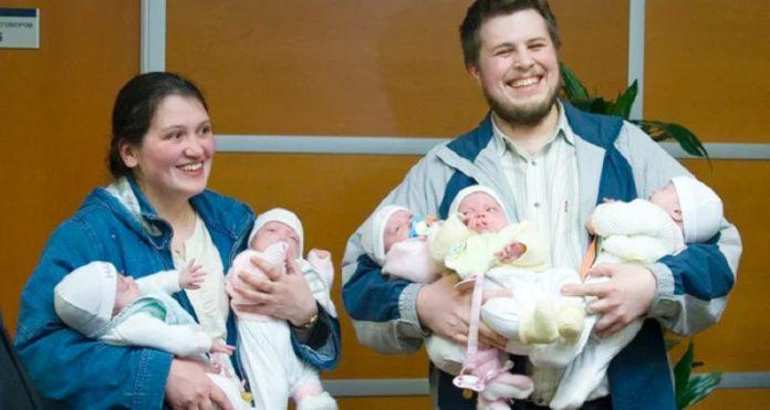 Жінка народила п'ятьох дівчаток