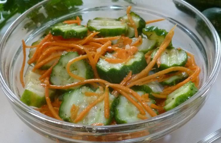 Салат из огурцов по корейским мотивам