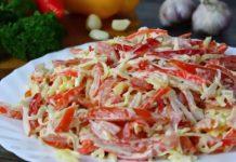 Недорогий і швидкий салат з крабовими паличками