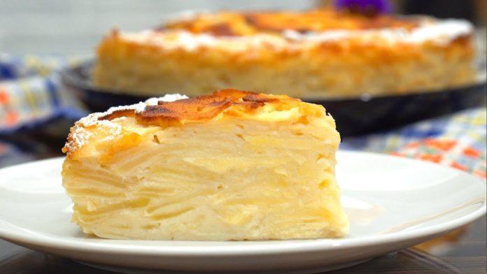 Простий пиріг з яблуками