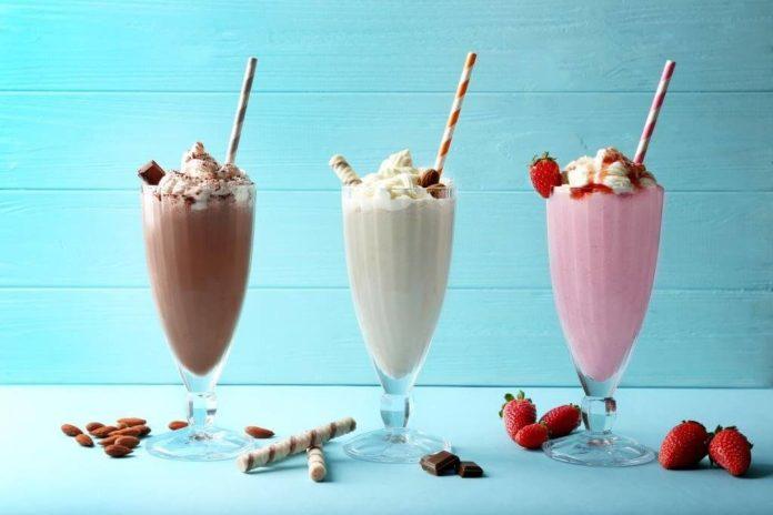 Готуємо молочні коктейлі в домашніх умовах