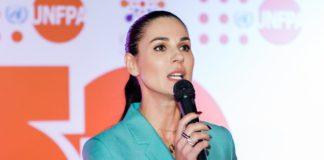 Телеведущая Маша Ефросинина показала, как переносит коронавирус