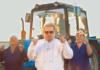 """Поплавский в центре внимания с """"телочками"""" и доярками"""