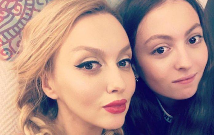 Оля Полякова та її дочка Марія