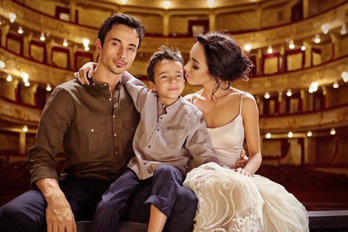 Катерина Кухар та Олександр Стоянов з сином