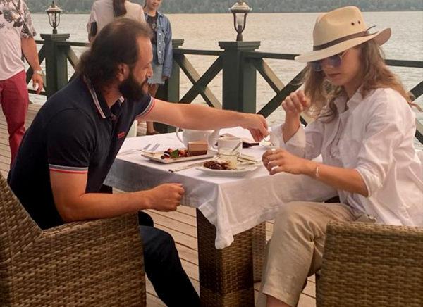 Илья Авербух и Лиза Арзамасова на ужине