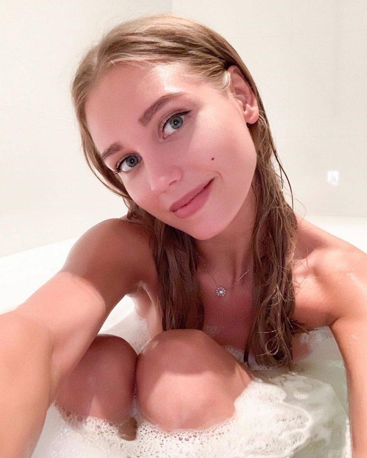Асмус в ванной