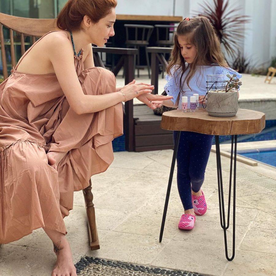 Нур с дочкой Элисой