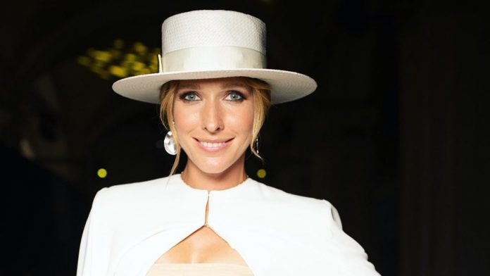 Найекстравагантніші капелюшки Осадчої