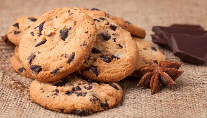 Домашнє печиво з шоколадною крихтою