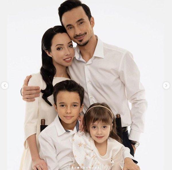 Екатерина Кухар с мужем и детьми