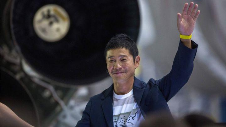 Самый богатый холостяк - японский миллиардер Маедзава в свадебное путешествие повезет невесту на экскурсию в космос