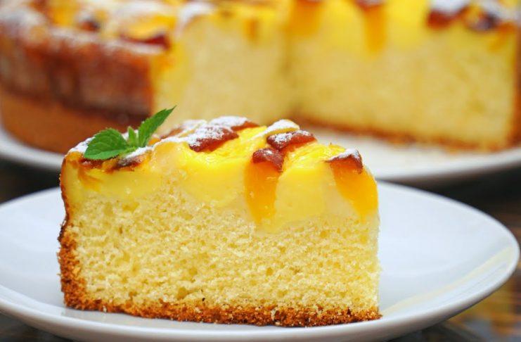 Пирог с фруктами и нежным заварным кремом