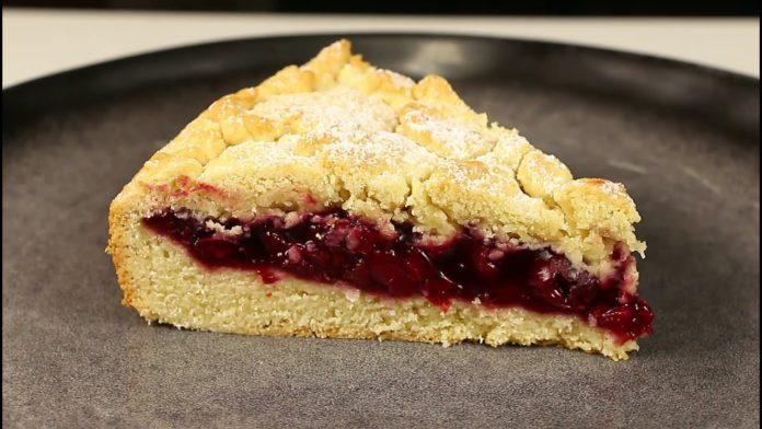 Пісочний пиріг з вишнею