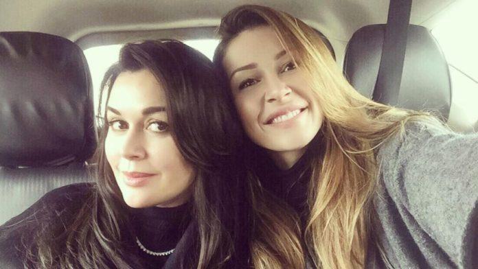 Анастасия Заворотнюк с дочкой