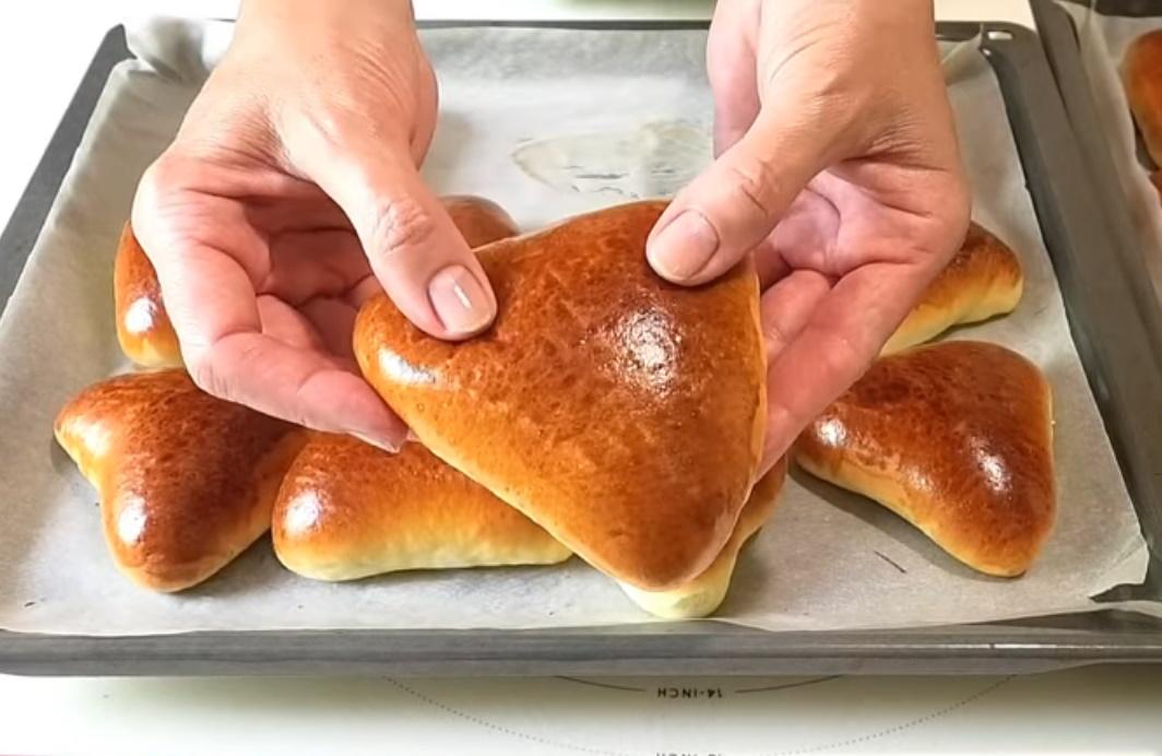 Пирожки получаются мягкими и хорошо пропекаются