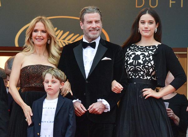 Джон Траволта и Келли Престон с сыном Бенджамином и дочкой Элли Блю