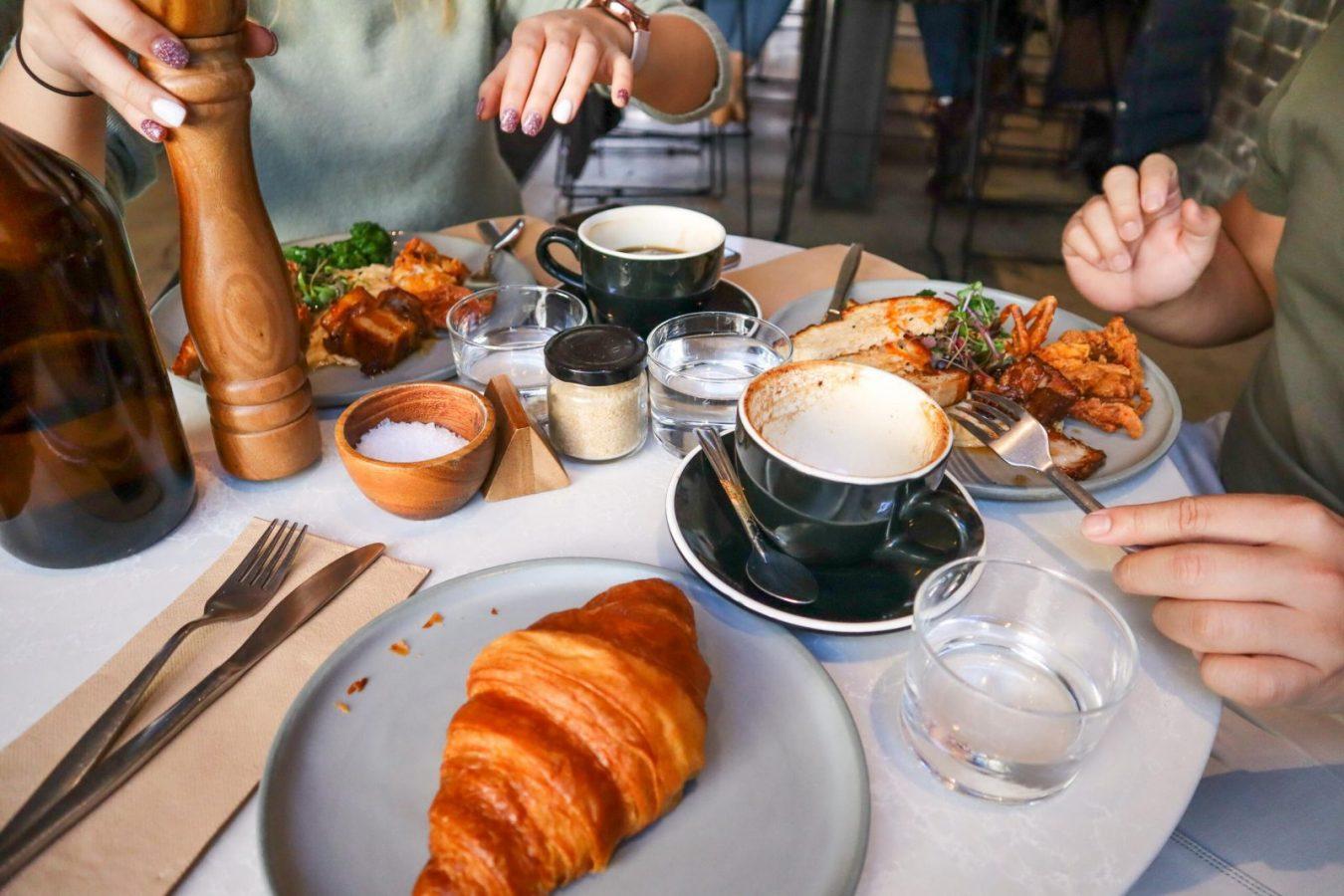 Француженки завтракают минимум полчаса