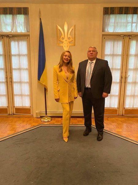 Тина с генконсулом Украины в Нью-Йорке Алексеем Голубовым