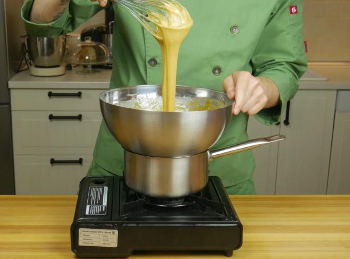 Карамелізований яєчно-медова суміш