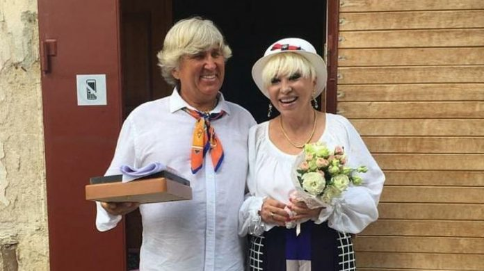 Юрій Фірсов і Валентина Легкоступова на своєму весіллі
