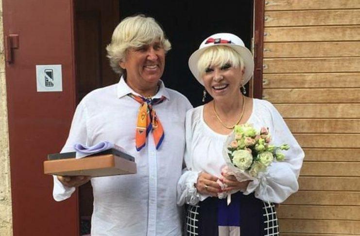 Юрий Фирсов и Валентина Легкоступова на своей свадьбе