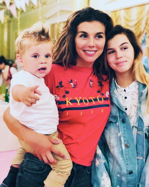 Анна Седокова і її діти