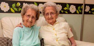 95-летние близняшки