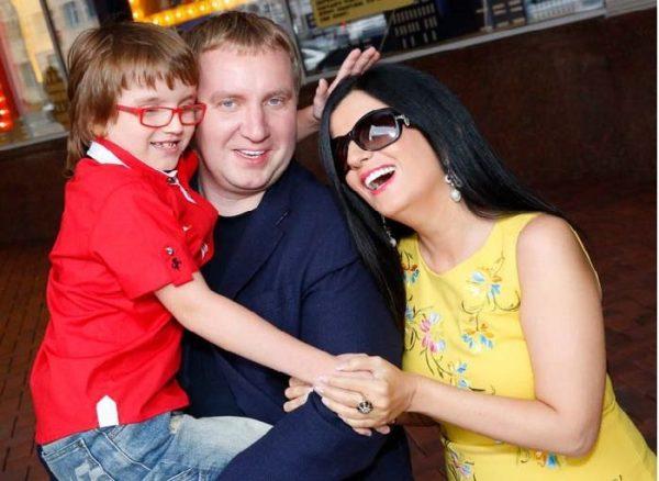 Гурцкая с мужем и сыном