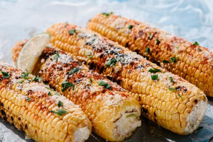 Запечена кукурудза в духовці
