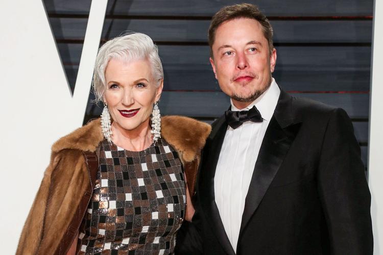 Мэй Маск с сыном Илоном