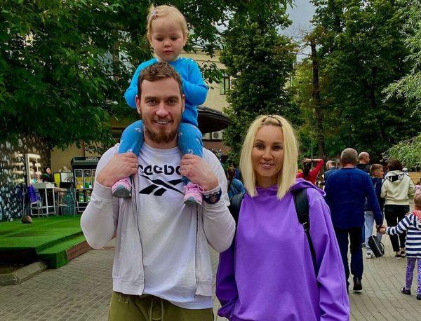 Кудрявцева с Макаровым и их дочкой Машей