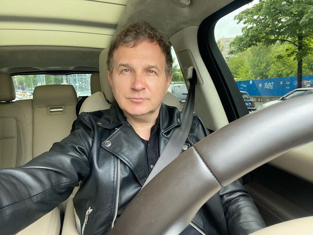 Юрий Горбунов за рулем своего внедорожника
