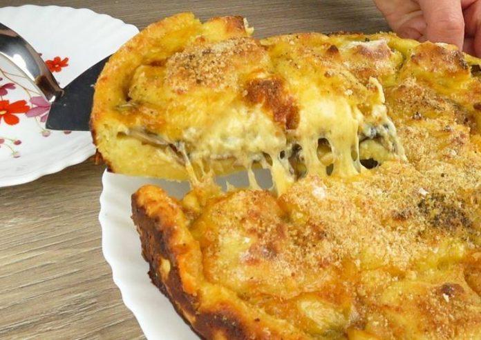 Апетитний картопляний пиріг з грибами і сиром