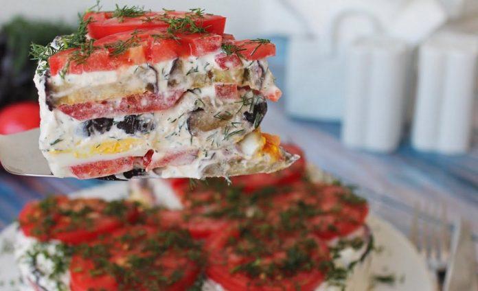 Закусочний торт з баклажанів зі смачним соусом