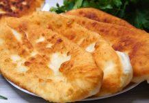 Пиріжки на кефірі з картоплею і плавленими сирками