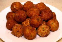 Картопляні пончики з сиром і беконом