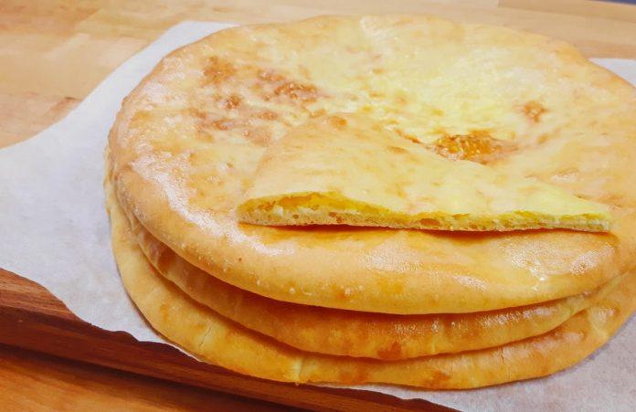 Хачапурі по-грузинськи з сиром