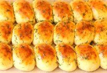Часникові пампушки до борщу на сирному тісті